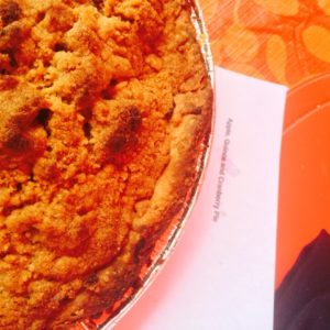 Apple Quince & Cranberry Pie